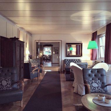 Gemütlicher Salon im Hotel Stern