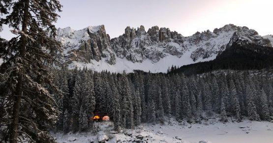 Weihnachtszauber am Karersee-Magie natalizie al Lago di Carezza